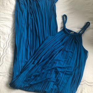Gorgeous Teal maxi dress with rope like straps. M
